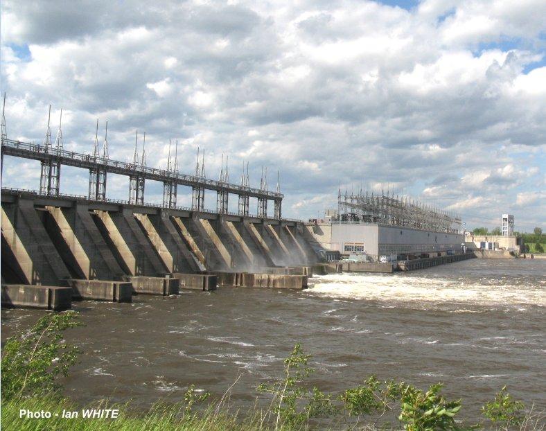 Carillon Dam, Ottawa River, Photo taken by Ian White, 2013