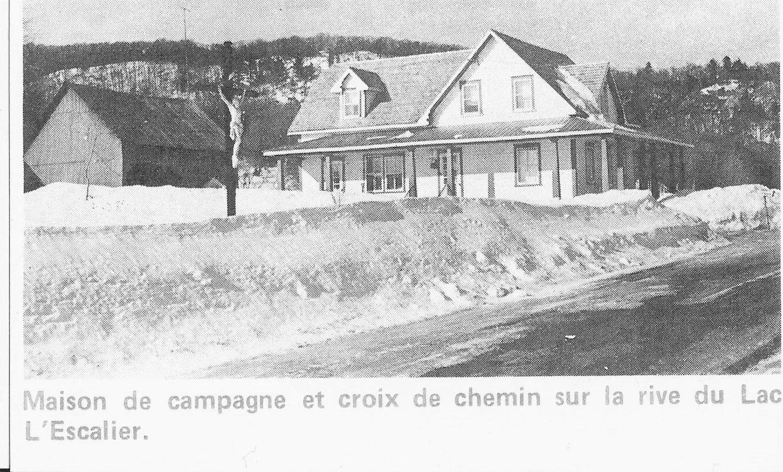 Dubois House in Val-des-Bois, Quebec