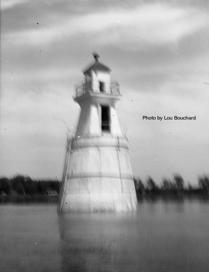 Lighthouse on the Ottawa River at Beacon Hill