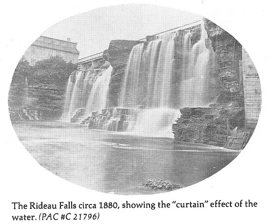 Rideau Falls showing the Curtain Effect