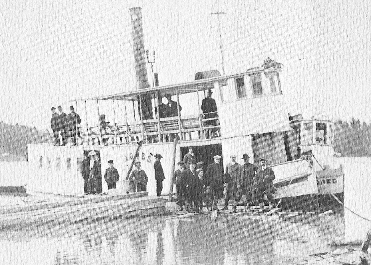 The steamship Agnes on the Ottawa River at Buckingham